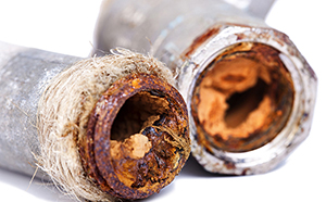 Tubazioni rovinate dallo sporco contenuto nell'acqua